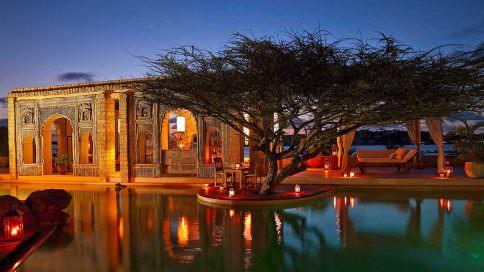 the majlis luxury resort pool